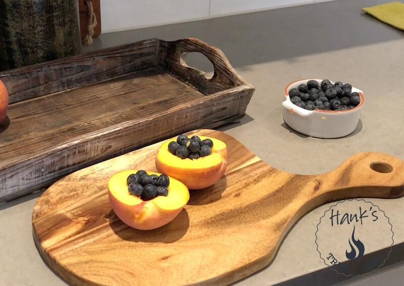 Persikor med blåbär