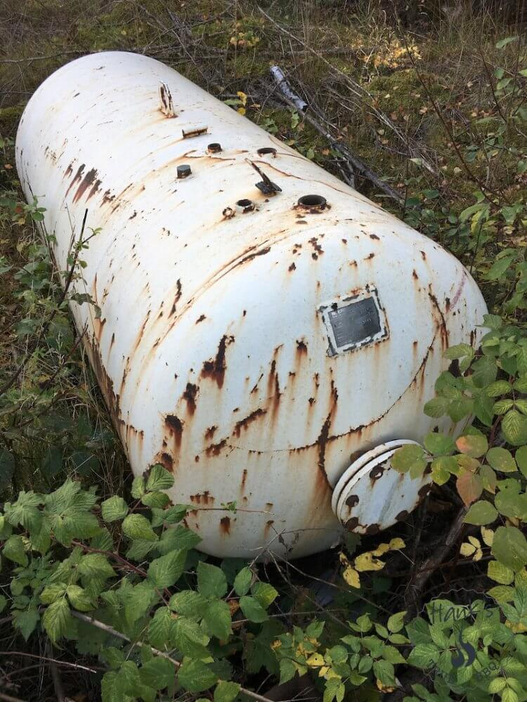 Old and used tank shot from another angle