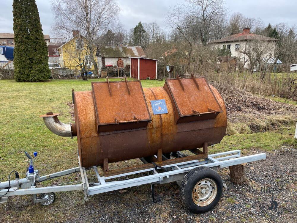 The smoker back on the trailer