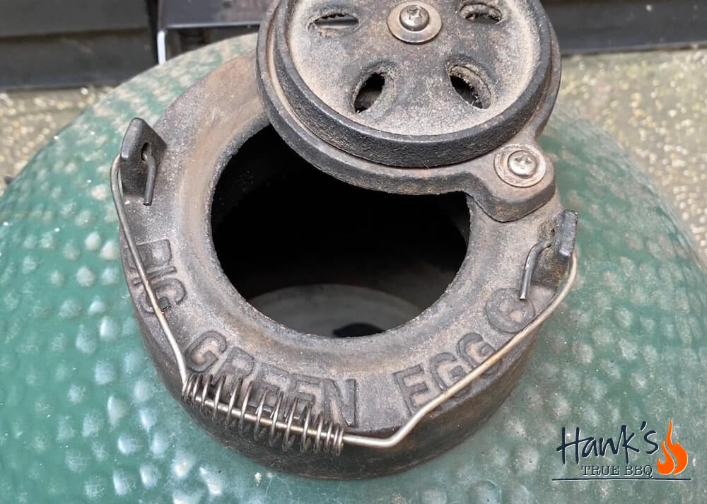 How to fire up a Big Green Egg - top vent full opened